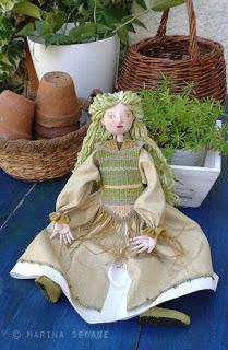 Marioneta en verdes