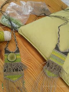 Preparando material para ferias de artesanía