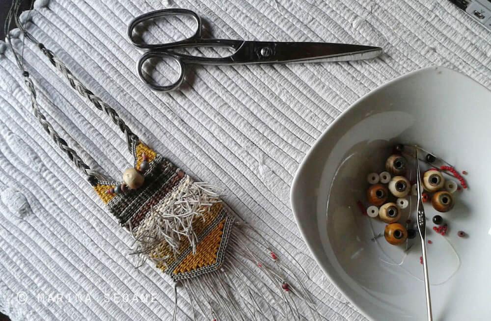 fabricación collar joyería textil