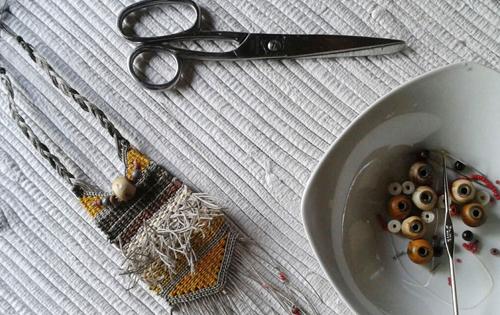 tapices y joyería textil