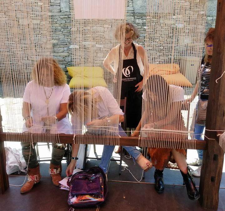 Feria de artesanía en Agolada. Corazón da Artesanía